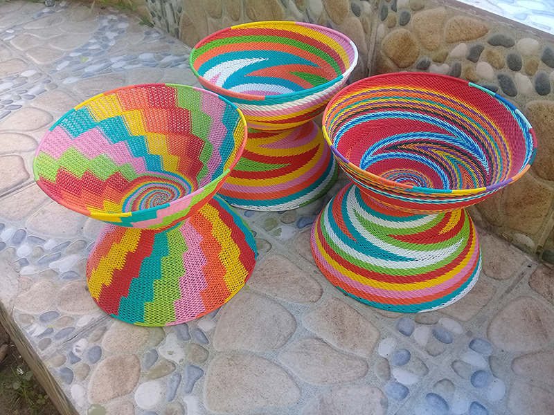 telephone-wire-baskets-candy-calour-combo