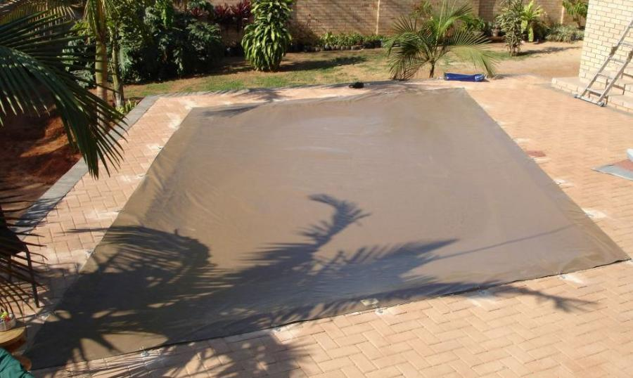 pool-and-jacuzzi-covers